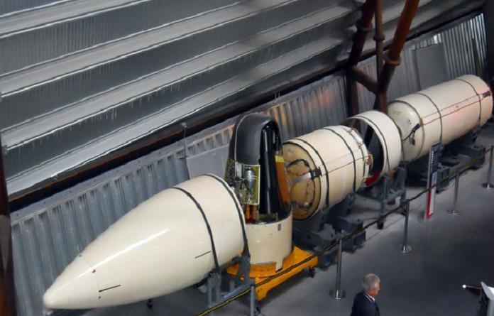 الجارديان: تطوير واشنطن رأسا نوويا جديدا يزيد احتمال استخدام الأسلحة النووية أثناء الحرب