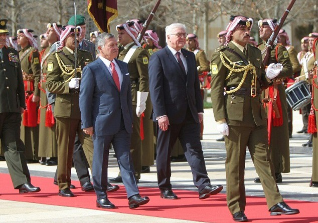 العاهل الأردني يكرر تأييده حل الدولتين