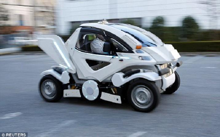 سيارة يابانية جديدة قابلة للطي