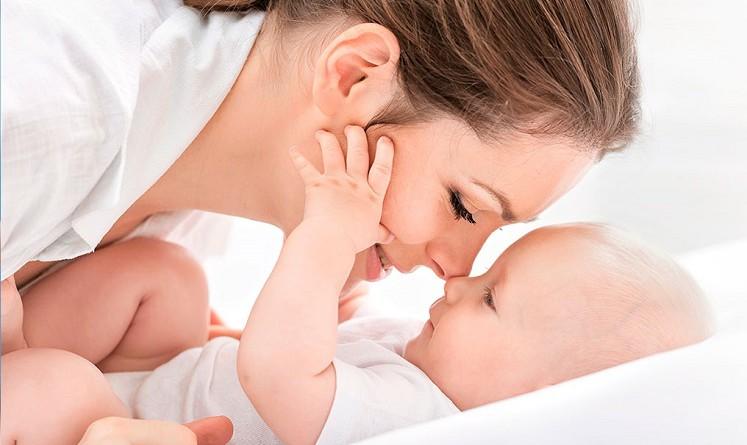 دراسة: الغناء يخلصك من اكتئاب ما بعد الولادة!