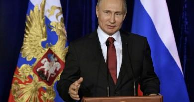 بوتين يخوض حملة بالحد الأدنى قبل شهر من الانتخابات الرئاسية