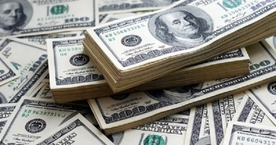 الدولار يسجل أدنى مستوياته منذ 2014