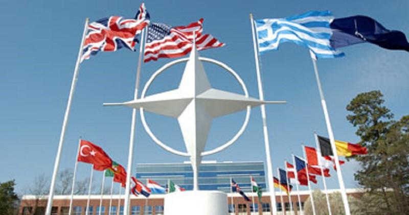 الناتو يؤكد تعزيز واشنطن لتواجدها العسكري في أوروبا