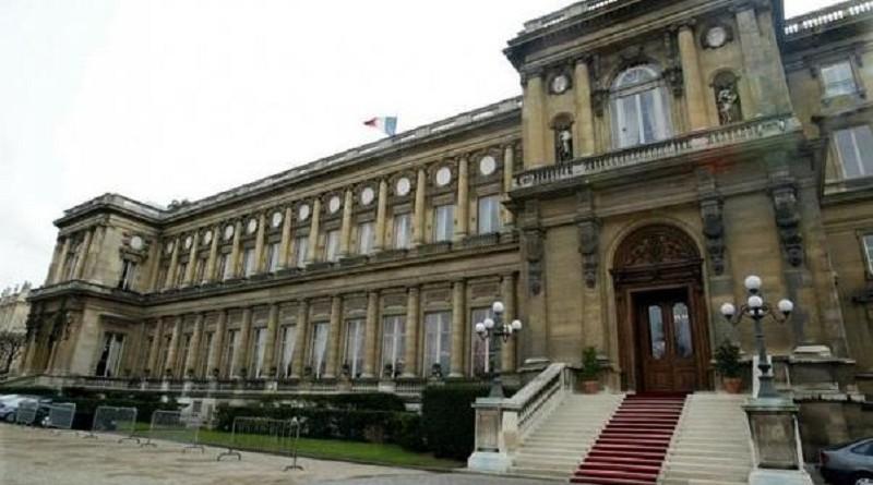 فرنسا تؤكد التزامها بالاتفاق النووي الإيراني