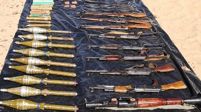 الجيش الجزائري يحجز ترسانة أسلحة قرب الحدود مع مالي
