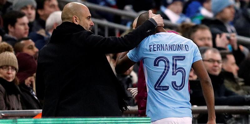 فرناندينيو: سيغيب عن مباراة آرسنال بسبب الإصابة