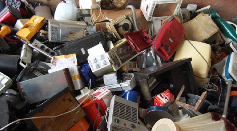 ملايين الاطنان من النفايات الإلكترونية تهدد السعوديين بتلف الكبد والمخ والعقم