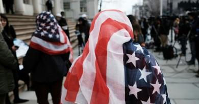 نيويورك تدفع 60 ألف دولار لكل من 3 نساء أجبرن على خلع الحجاب