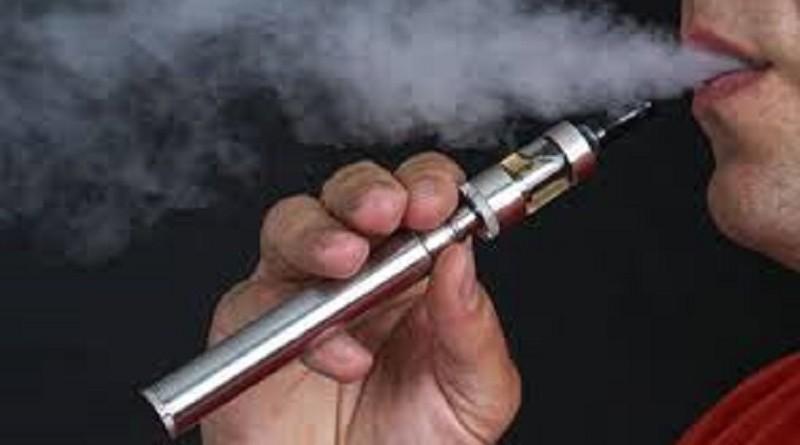 دراسة: السجائر الإلكترونية ربما تزيد مخاطر الإصابة بالالتهاب الرئوي