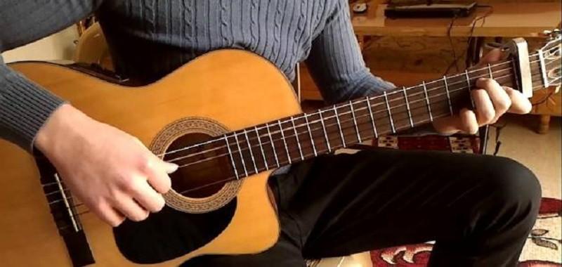 الجيتار وسيلة لاجئ سوري من أجل حياة جديدة في بلجيكا