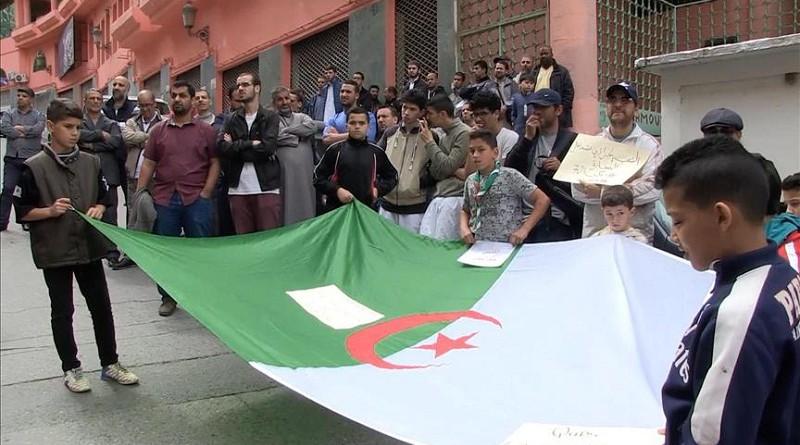 الجزائريون ينتفضون لنصرة القدس والتنديد بقرار نقل السفارة الأمريكية