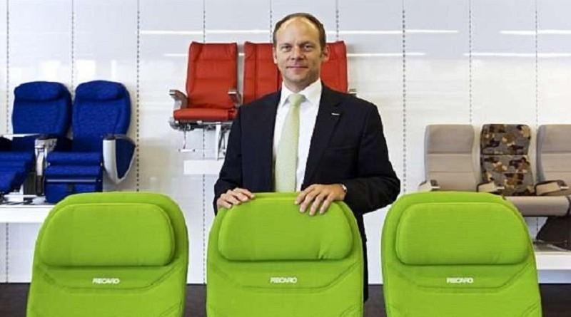 تطوير مقاعد طائرات تنظف نفسها ذاتيا