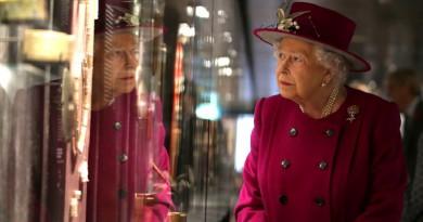 كيف تعيش العائلة الملكية البريطانية وما مصادر دخلها؟