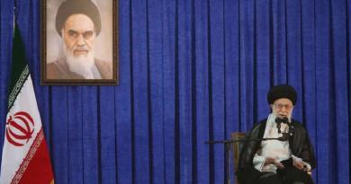 خامنئي لترامب: خسئ من يهدد الشعب الإيراني والنظام الإسلامي!