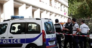 عملية طعن في باريس والشرطة تقتل المهاجم