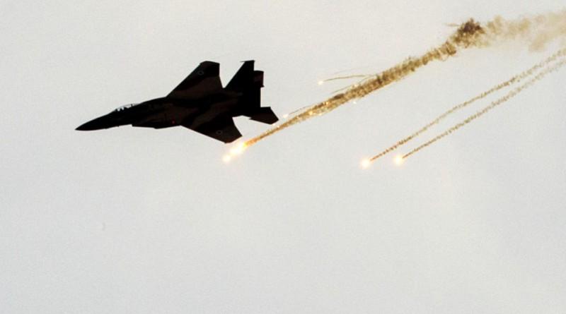 غارة إسرائيلية تستهدف مجموعة فلسطينيين في غزة