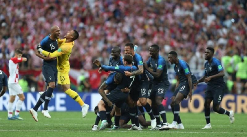 فرنسا تتوج بكأس العالم للمرة الثانية علي حساب كرواتيا