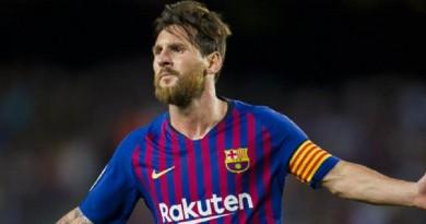 بثلاثية نظيفة...ميسي يقود برشلونة لفوز كبير على الافيس