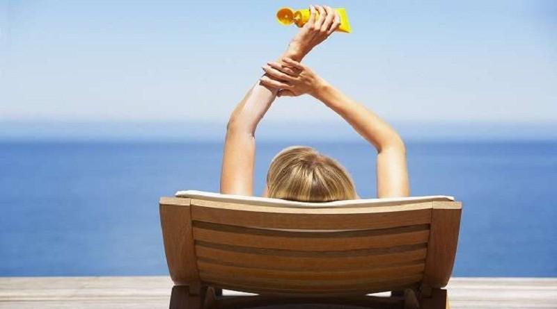 لا تجب السباحة عند وضع مستحضرات الحماية من الشمس
