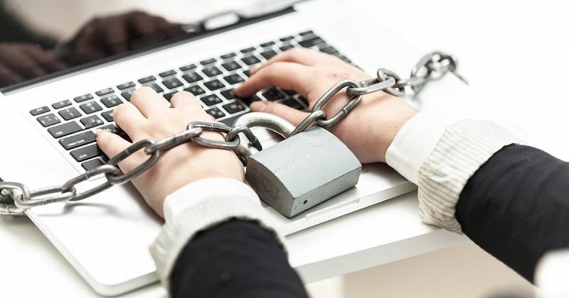 جدل حول قانون لمكافحة الجريمة عبر الإنترنت