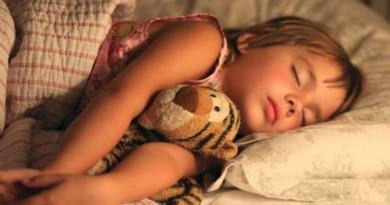 علاقة النوم بصحة الأطفال المعوية