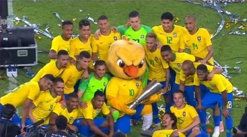 البرازيل تتوج بكأس البطولة الرباعية بفوز قاتل على الأرجنتين