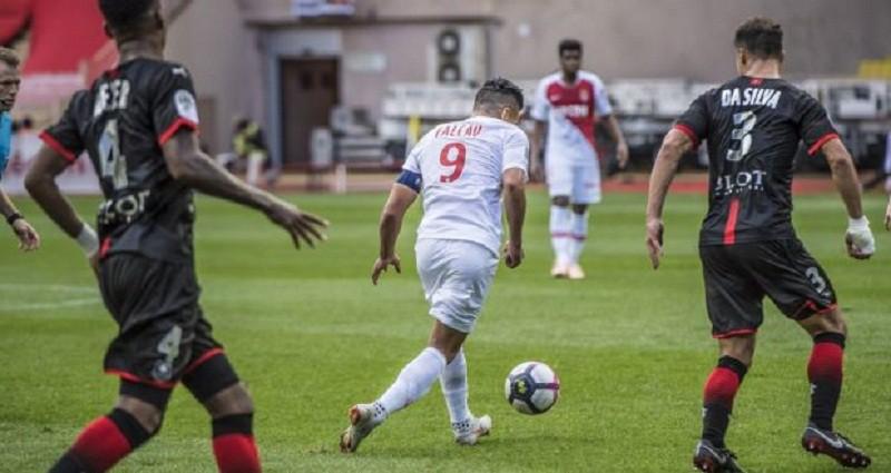موناكو يواصل السقوط في الدوري الفرنسي