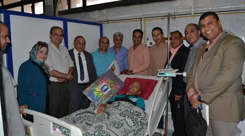 حزب مستقبل وطن بالسويس يزور الفدائى محمود طه للاطمئان على حالته الصحية