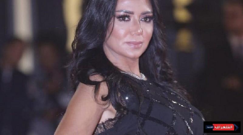 بالفيديو... رانيا يوسف تدافع على ظهورها مجددا بفستان مثير للجدل