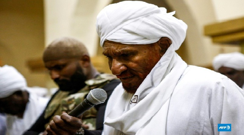 """الصادق المهدي يؤيد دعوات المتظاهرين في السودان """"لرحيل"""" نظام البشير"""