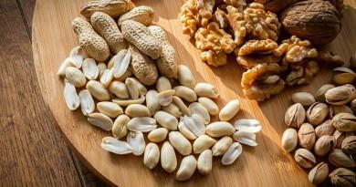 تناول المكسرات بانتظام تقلل فرص إصابة مرضى السكري بمشاكل القلب