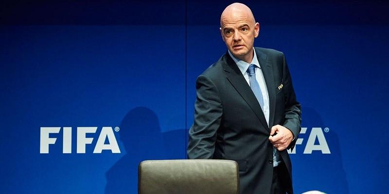 إنفانتينو في مأزق أمام تساؤلات الاتحاد الأوروبي