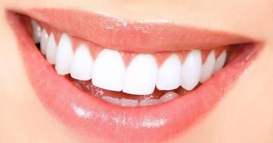 """دراسة: أسنانك تكشف حالة """"صحتك العقلية"""""""
