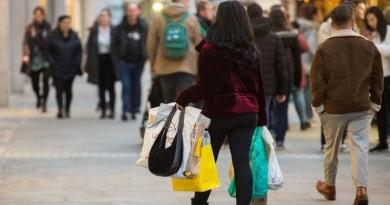 بريطانيا تتخذ إجراءات ضد أكياس البلاستيك