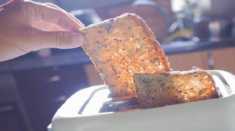 دراسة تحذر من خطر الخبز المحمص!