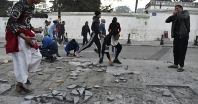 الجزائر...اعتقال 41 شخصًا في تظاهرات الجمعة