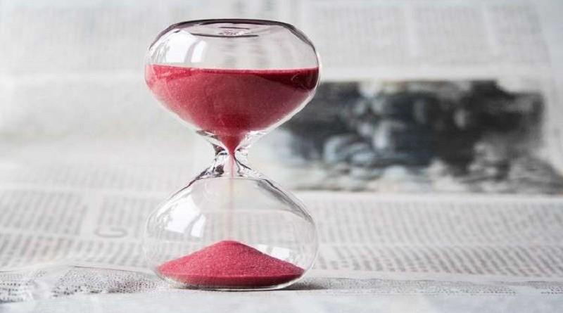 لماذا يمر الوقت بسرعة مع تقدمنا في العمر؟