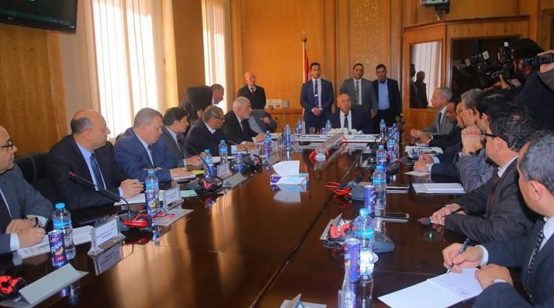 وزير النقل يعقد اجتماعًا موسعًا مع رئيس وقيادات هيئة السكك الحديدية