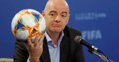 """مونديال قطر.. هجوم على الفيفا لقيامها بأي شيء """"لأجل المال"""""""