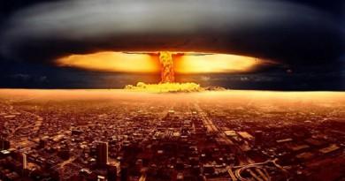 """حتى القنابل النووية لن توقف """"الكويكبات القاتلة"""""""