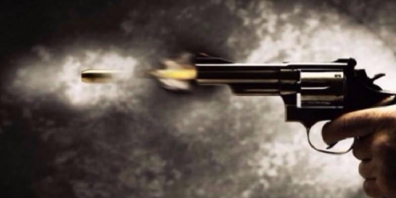 صرصار يصيب رجل بطلق ناري