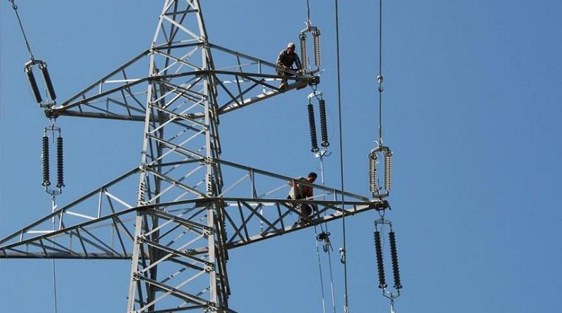 مصر تخطط لرفع الدعم نهائيا عن الكهرباء بحلول 2022