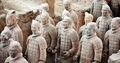 علماء يحلون لغز أسلحة محاربي التيراكوتا الصينيين