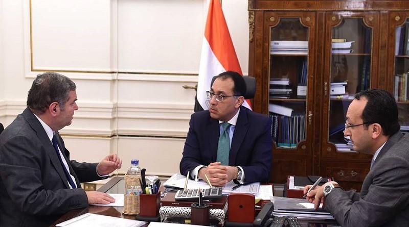 رئيس الوزراء يبحث مع وزير قطاع الأعمال سبل توفير التمويل لتطوير مصانع الغزل والنسيج