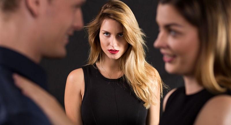 دراسة: المرأة أكثر قدرة على اكتشاف خيانة الرجل