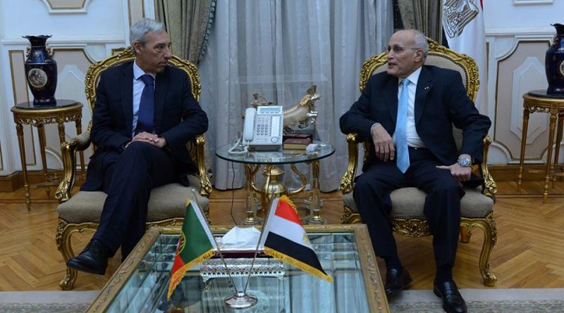 """""""العصار"""" يستقبل وزير الدفاع البرتغالي لبحث التعاون فى مجالات التصنيع المختلفة"""