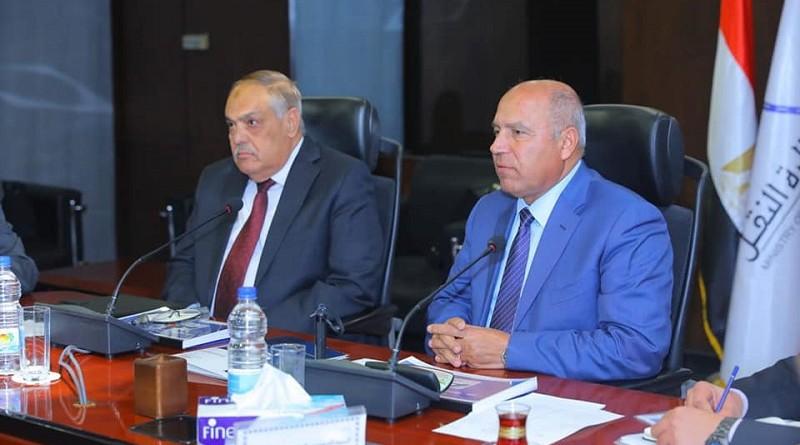الوزير: نولي أهمية كبيرة لتوطين صناعة النقل بمصر لتدعيم منظومة السكك الحديدية