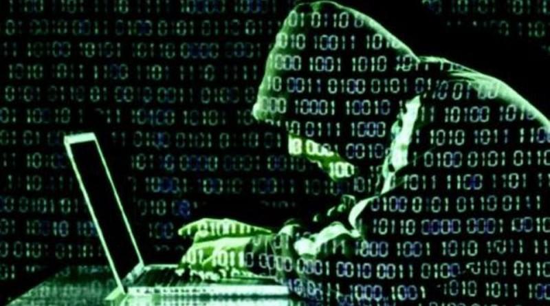 """هاكرز يسرقة بيانات آلاف عملاء """"FBI"""""""