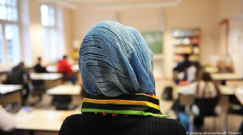 النمسا تقرّ حظر الحجاب في المدارس الابتدائية