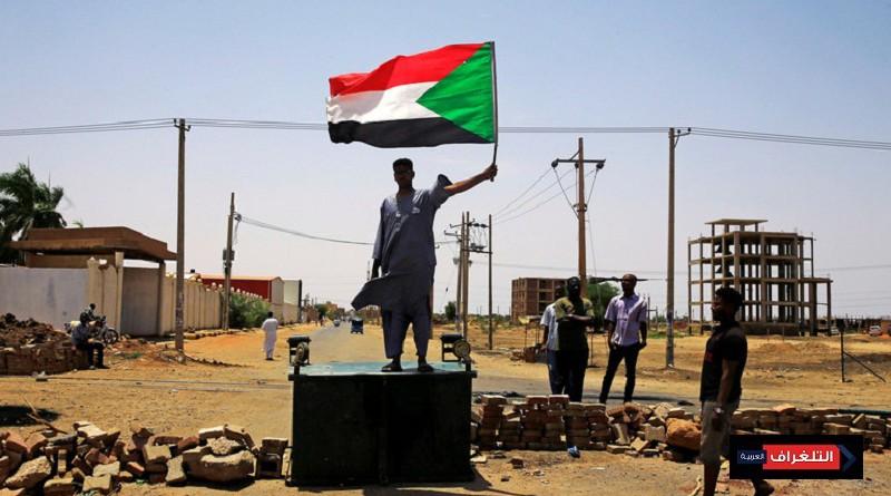 القوى المدنية السودانية تعلق العصيان وتسمي رئيس الحكومة